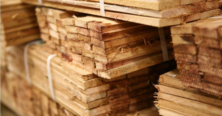 How to Shop for Lumber for Woodworking Projects