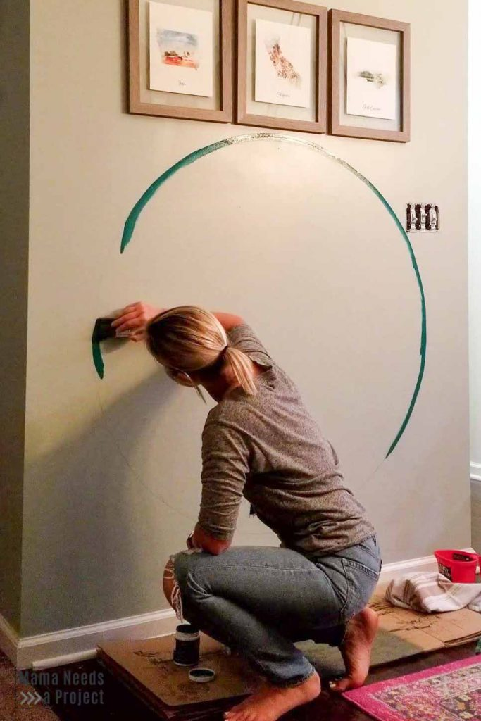 paint outline of circle with an angled paintbrush
