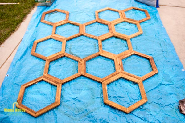 stained honeycomb diy garden trellis